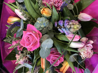 Our Beautiful spring Bouquet, presented in water and a gift bag x