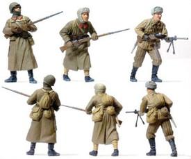 Russians Attacking, Winter Uniforms. Preiser  16600 New 1/87 Scale