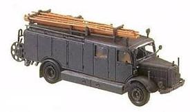 Mercedes LF25 Fire Truck. Minitanks 382 plastic 1/87 Scale Kit Unfinished