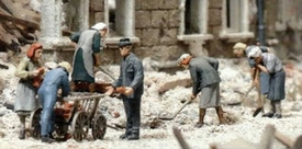 Women Digging In Ruins, Preiser 16568 New 1/87 Scale Plastic Kit Unfinished
