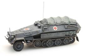 Sd.Kfz.251/8 Ausf.B Ambulance Half Track. Artitec 387.73-AM New 1/87 Finished Mo