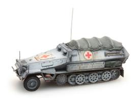 Sd.Kfz.251/8 Ausf.B Ambulance Half Track. Artitec 387.73-WA Painted, Finished Resi