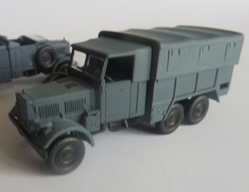 Einheits-Diesel LKW 3t Cargo Truck Arsenal-M 222200011 New 1/87 scale Plastic Ki