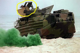 AAVP-7A1 Amphibious Vehicle with MCLC Arsenal-M 114100511 Plastic Kit Unfinished