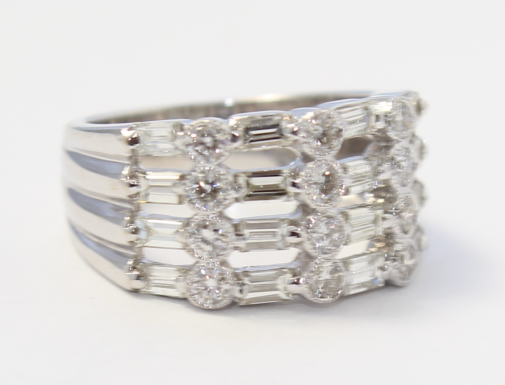 18k White Gold Baguette And Round Diamond Ladies Cocktail