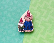 Gnome Gardening Cat - Wooden Pin