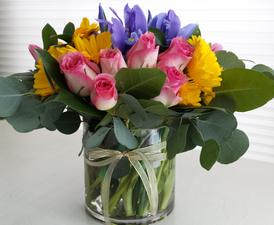 Woman of Valor...Midwest Simplicity - Order Flowers Online Deerfield IL - Jan Channon Flowers
