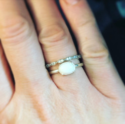 14k gold mounted oval ring