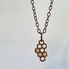 dainty honeycomb necklace