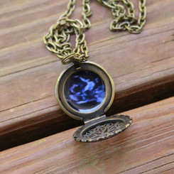vintage filigree photo locket