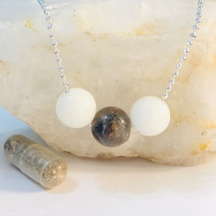 shown with a placenta pearl added