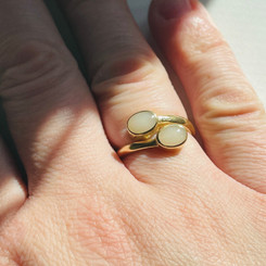 14K yellow gold oval bypass ring