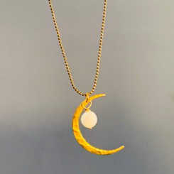gold crescent moon pearl pendant
