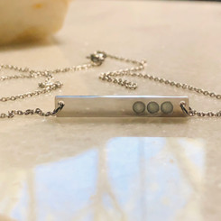many dots bar necklace