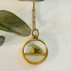 horizon flower pendant
