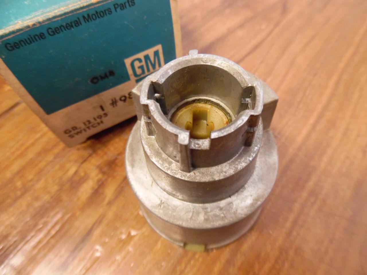 1971 72 73 74 75 Pontiac GM Tail Gate Switch NOS