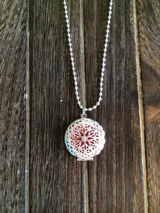 Silver Filigree Aromatherapy Diffuser Locket Necklace