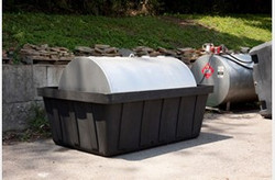 EAGLE 550 gal. Tank Spill Unit - Black w/Drain
