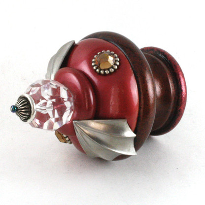 Finial Birdie in ruby and agate with silver metal details and smoke topaz crystal
