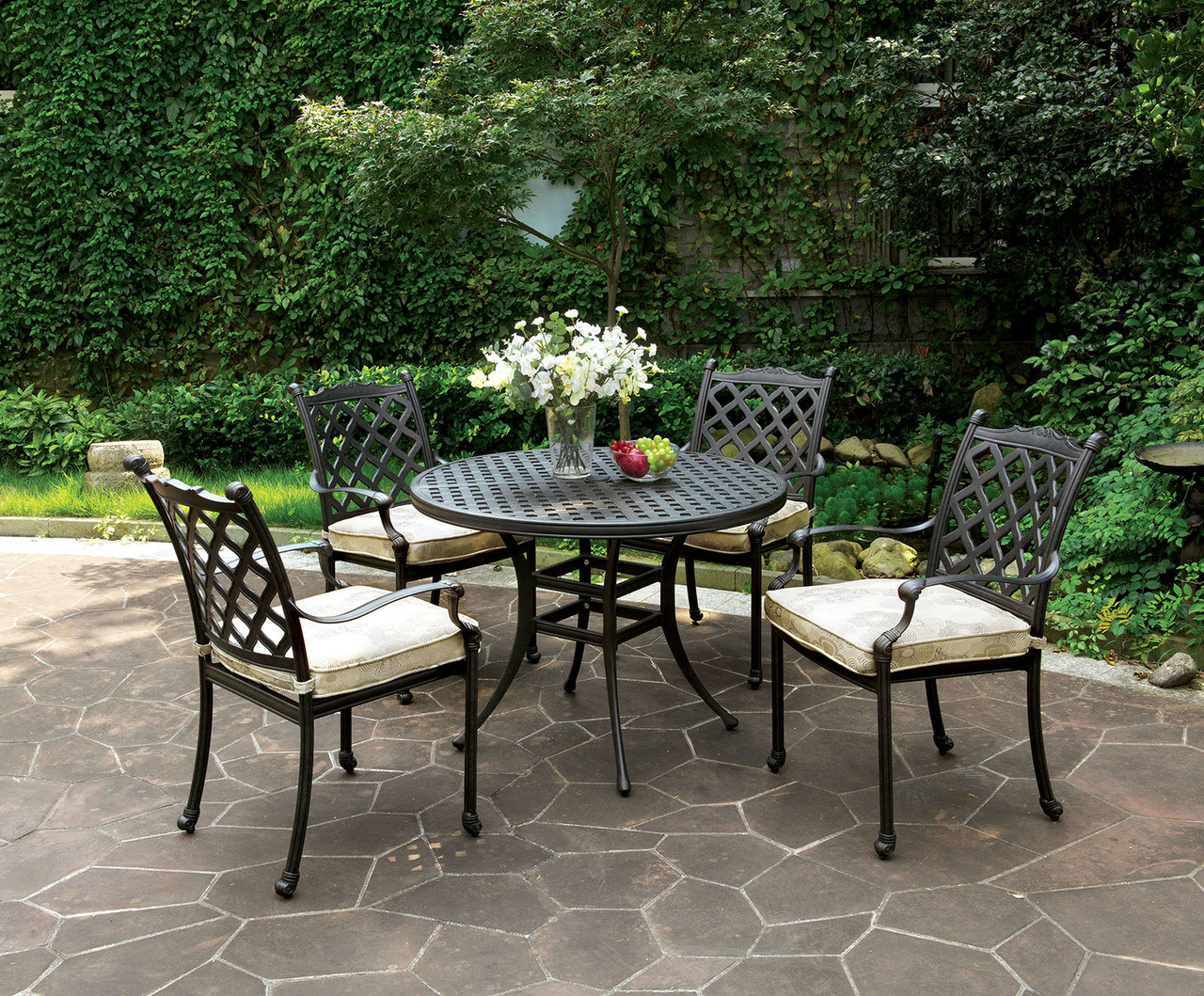 Chiara Outdoor Patio Round Dining Table Set | CHIARA Patio Table With 4 Arm  Chairs ...
