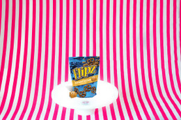 Flipz Pretzel - Caramel Sea Salt Flavour 141g #NEW #FEAT