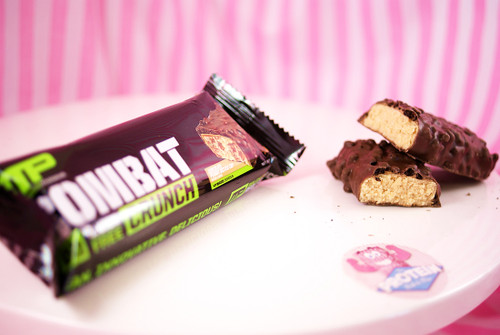 Muscle Pharm Combat Crunch - Chocolate Peanut Butter Cup - Baked Texture!