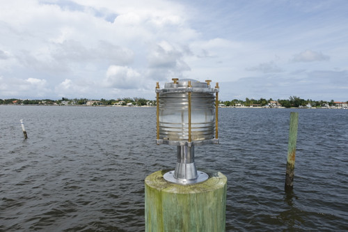 Aluminum dock light