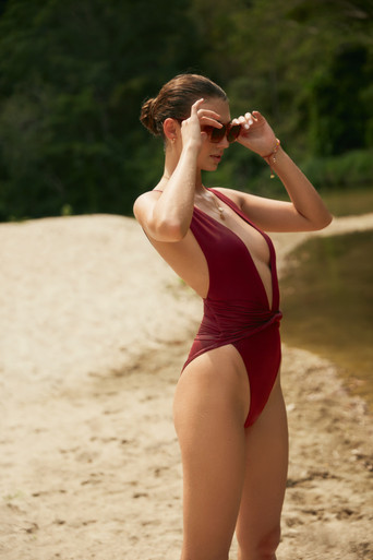 2020 Agua Bendita Palette Ellis One Piece Swimsuit Burgundy