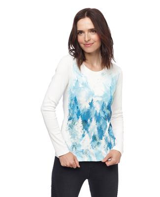 Woman in white cotton crewneck sweater