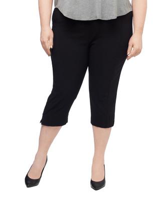 Women's plus black pull on capri pants