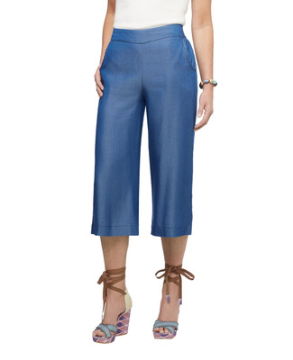 Women's light wash denim Point Zero wide leg palazzo pants.