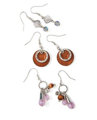 Women's wooden and beaded earrings set.