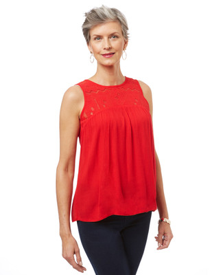 Women's sleeveless embroidered top in crinkle fabric.