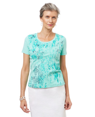 Women's petite scoop neck tee in a seagreen textured pattern