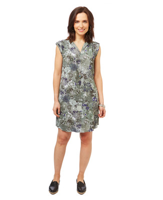 Women's moss green v neck floral dress with pockets.