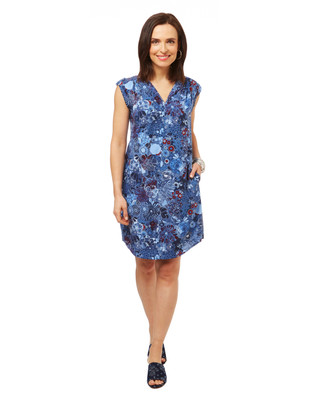 Women's blue v neck floral dress with pockets.
