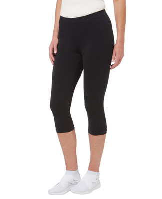 Women's black active yoga capri legging