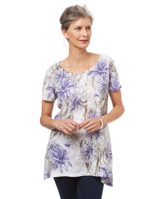 Women's long top with short sleeves and a floral print