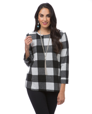 Women's classic black and white plaid pullover
