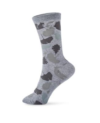 Women's squirrel and leaf design crew socks