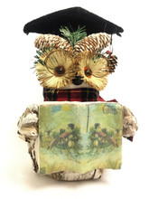 """Absolutely Stunning Beautifully Handmade Bristlestraw Christmas Bedtime Owl, dressed in his classic Wise owl robes, Hat and Glasses and reading """"Twas the Night Before Christmas"""" 25cm High"""