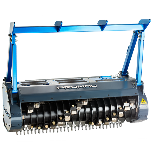 Like a grizzly bear, this drum mulcher is beautiful and powerful. And like a grizzly bear, keep your safe distance!