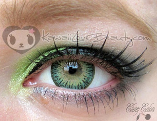 Geo Twins Green YH-303 over light colored eyes.