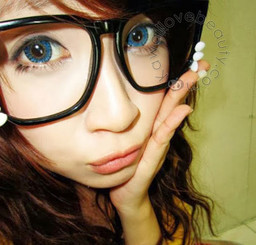 Xtra Berry Tricolor blend blue colored circle contact lenses.