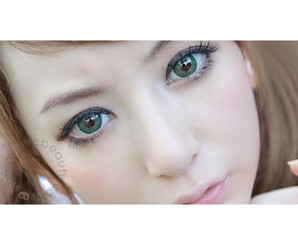 Barbie Puffy 3 Tone Green circle lenses by Dueba for big, dolly eyes.