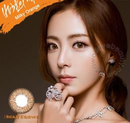 Model photo, i-Codi Milky Orange circle lenses