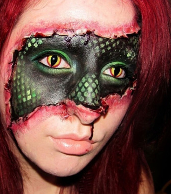 Crazy cosplay special effects contact lenses in Red Lizard