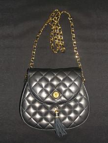 Vintage Fion Black Gold Saddle Shape Flap Closure Chain Tassel Metal Pouch Quilted Leather Handbag