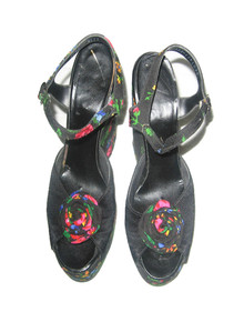 Vintage Black Multicolor Floral Print Fabric High Platform Wedge Heel Buckled Slingback Mod Disco Sandal Shoes w/ Rosette