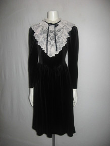 Vintage Brandan Street Black Velour Off White Floral Scallop Edge Lace Ruffle Tie Neck Bib Dress